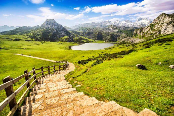 Experiencias en Asturias! Hotel 4* en Puente de Octubre desde 34€ pp.