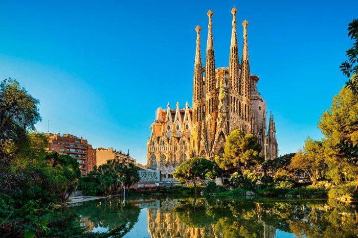 Fin de Semana en Barcelona! Vuelo desde 10€ y hotel 3* desde 51€