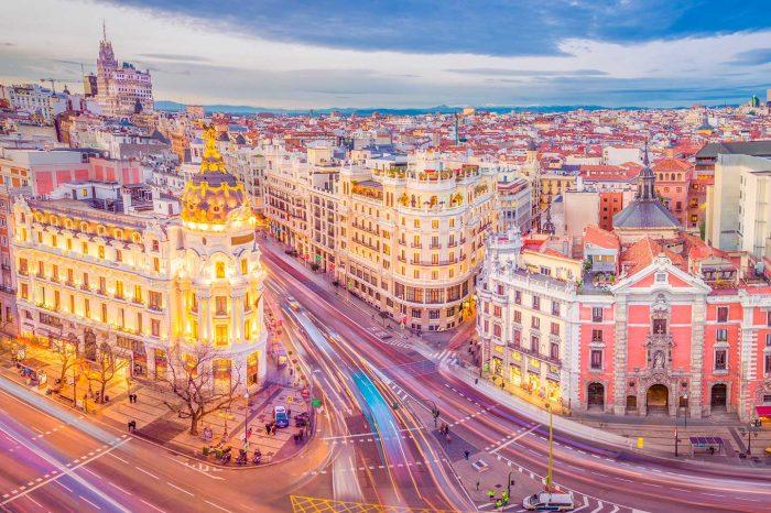 Puente en Madrid! Vuelos a Madrid desde 27€ tray. + Hotel 4* desde 33€ p.p.
