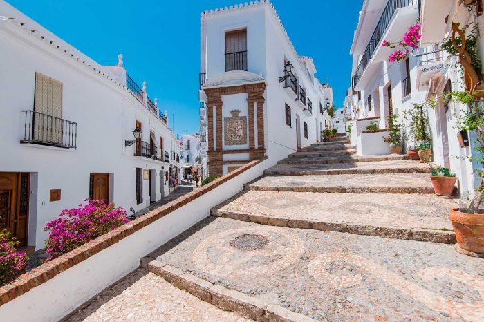 WOW! Verano en Málaga desde 24€ tray. + Hotel 4* desde 46€ p.p