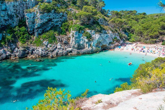 ¡Verano en Menorca! Vuela desde 20€ + coche desde 17€