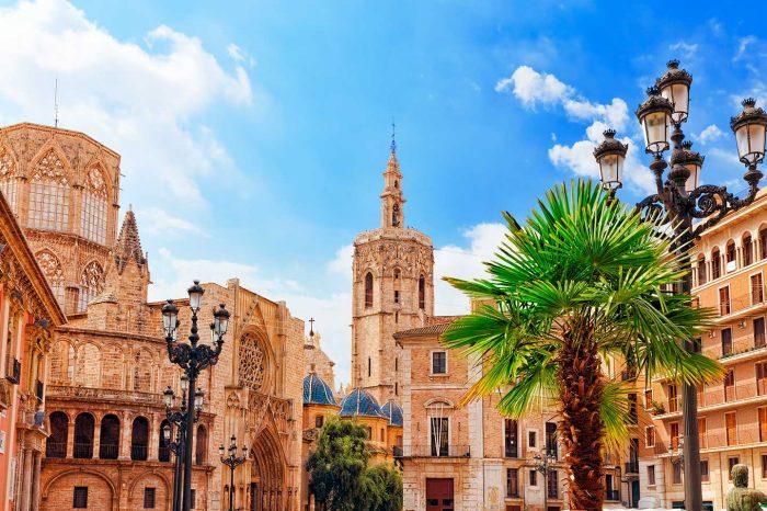 Escápate a Valencia con vuelos desde 10€ tray. + Hotel 4* desde 49€ pp